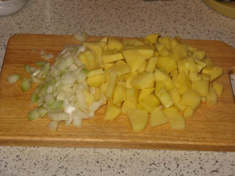 Курица, фаршированная картофелем и запеченная в духовке. От Евгении