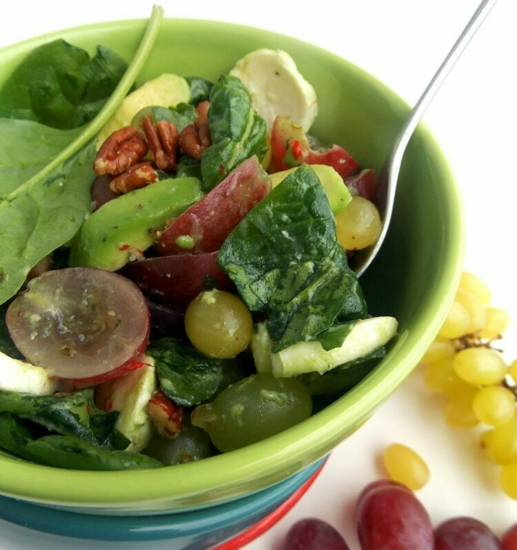 салат с авокадо и виноградом. рецепты салата с виноградом