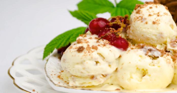 мороженое из творога и сливок.