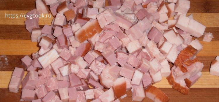 режем копченое мясо