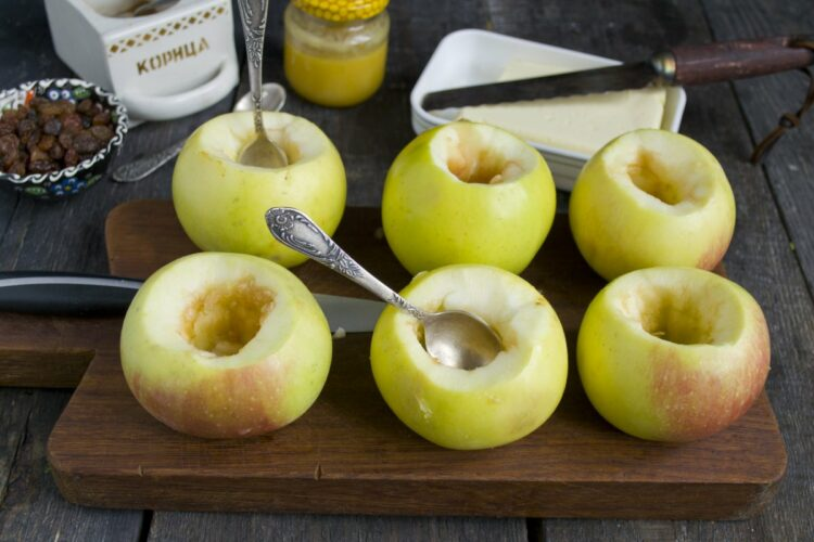 Яблоки, фаршированные курицей. Подготовка яблок к фаршированию