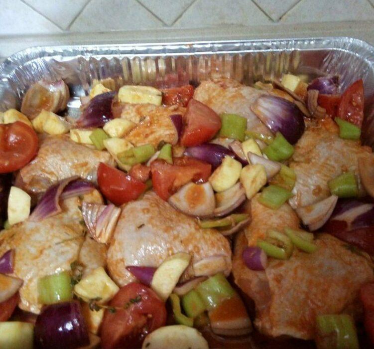 Как вкусно запечь курицу с овощами