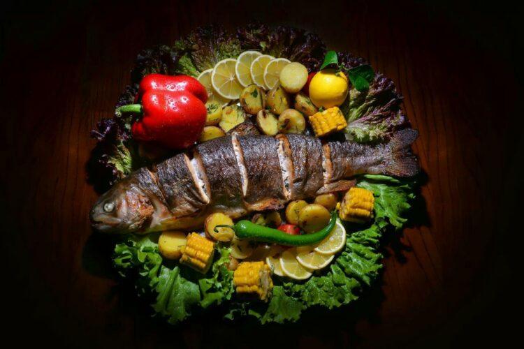 Рецепт форель, запеченная с овощами в духовке