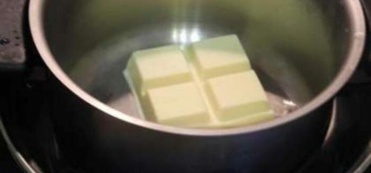 топим шоколад на водяной бани