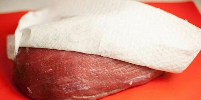 мясо обсушить бумажным полотенцем. Готовим говядину вкусно