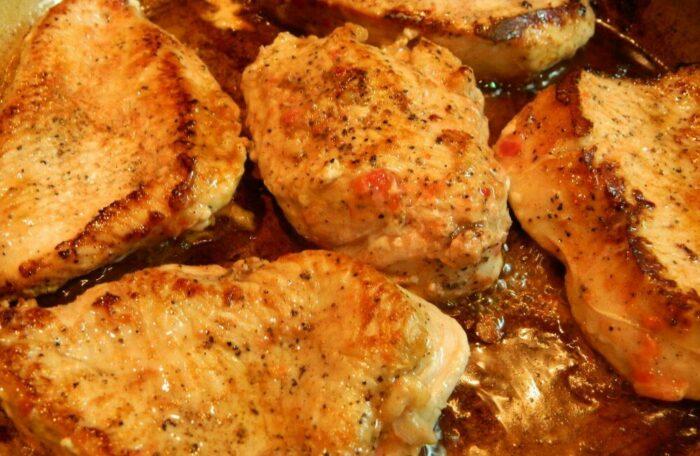 Жарим стейк индейки до золотистого цвета. Как готовить филе индейки?