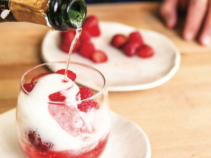 Шампань Айс. Клубника для романтического вечера.