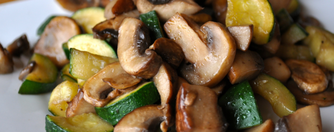 кабачки с лесными грибами
